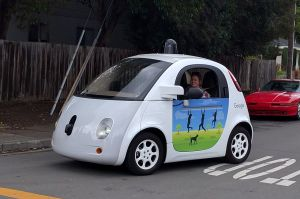 google_driverless_car_at_intersection-gk