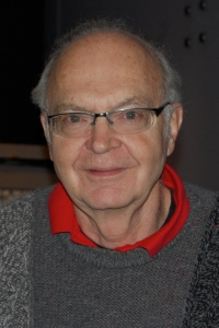 Donald_Ervin_Knuth_(cropped) (1)