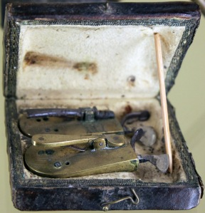 1802_Barber_Surgeons_Bloodletting_Set_anagoria