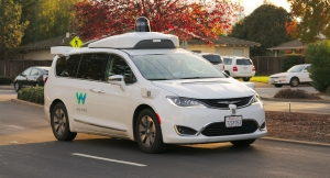 Waymo_Chrysler_Pacifica_in_Los_Altos,_2017